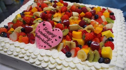 サプライズに使用したケーキ(近隣の専門店にご依頼されました)